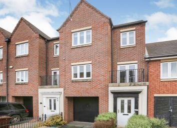 3 bed town house for sale in Dunoon Drive, Monmore Grange, Wolverhampton WV4