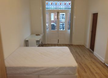 Thumbnail Studio to rent in Parsifal Road, West Hampstead, London