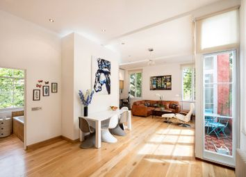 Thumbnail 1 bed flat for sale in Hoxton Street, Hoxton