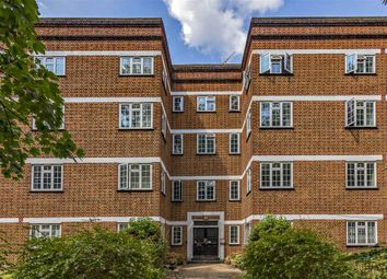 Thumbnail 3 bed flat for sale in Mount Avenue, London