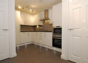 Thumbnail 3 bedroom flat to rent in Woodside, Greenbank, Plymouth