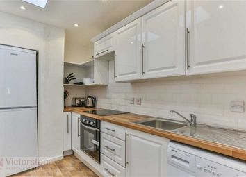 Thumbnail 4 bed flat to rent in Danbury Street, Angel, London