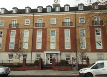 Thumbnail Flat to rent in 451 High Road, Finchley