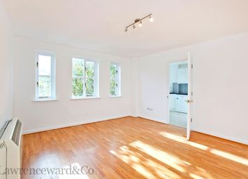 Thumbnail 3 bed flat to rent in Cottesloe Mews, London