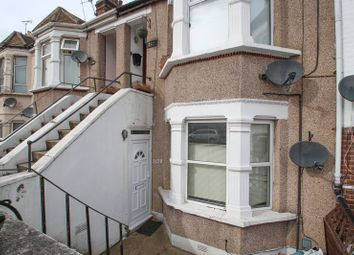 2 bed maisonette to rent in Riverdale Road, Erith DA8