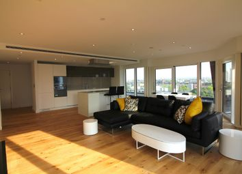 Thumbnail 3 bed flat to rent in Lambeth High Street, London