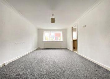 Thumbnail 2 bed flat to rent in East Park Road, Blackburn