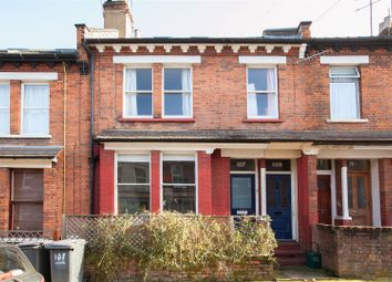 Thumbnail 2 bed flat to rent in Richmond Road, London