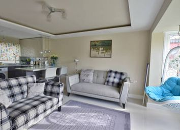 Thumbnail 2 bed flat to rent in Linden Walk, London, Archway