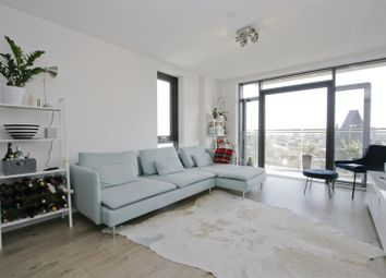 Thumbnail 3 bed flat to rent in Beechwood Road, Dalston