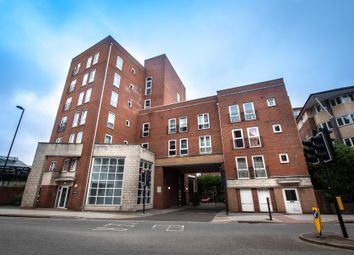 Canute Road, Ocean Village, Southampton SO14. 1 bed flat for sale