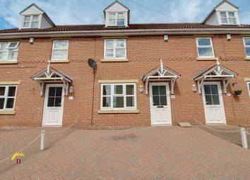 Thumbnail 3 bedroom town house to rent in Queen Street, Thorne, Doncaster