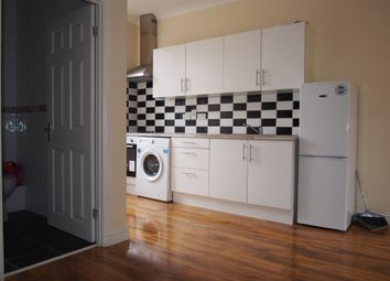Thumbnail 1 bed flat to rent in Station Road, North Chingford, London