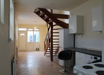 2 bed maisonette to rent in Hornsey Road, London N7