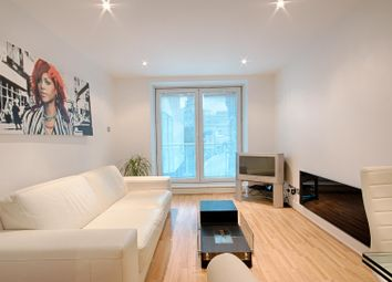 Thumbnail 1 bed flat to rent in Albert Embankment, Vauxhall, London