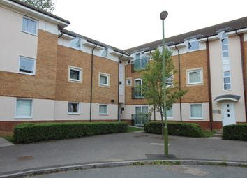Thumbnail 1 bed flat to rent in Eddington Crescent, Welwyn Garden City