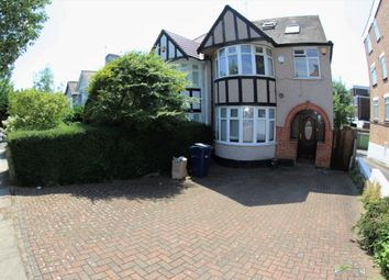 Thumbnail 6 bed terraced house to rent in Holders Hill Ave, Hendon