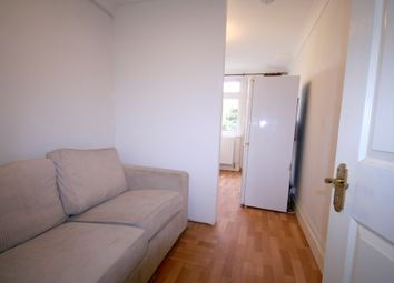 Thumbnail Studio to rent in Hill Road, Pinner