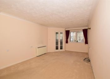 1 bed flat for sale in Chaldon Road, Caterham, Surrey CR3