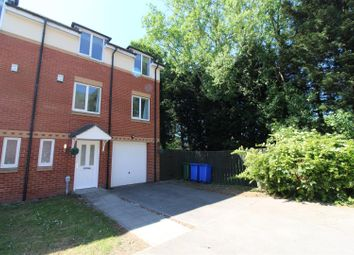 Thumbnail 5 bed town house for sale in Merchant Way, Cottingham