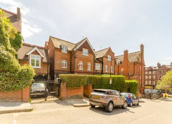 Thumbnail 3 bed flat to rent in Netherhall Gardens, Hampstead