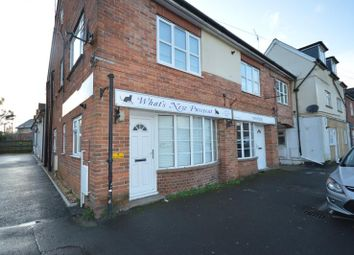 2 bed flat to rent in South Street, Pennington, Lymington, Hampshire SO41