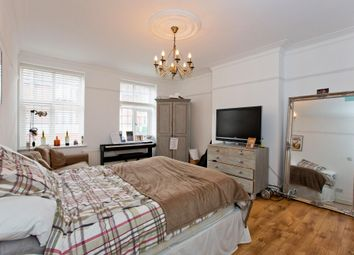 Thumbnail 4 bed maisonette to rent in Green Lanes, London