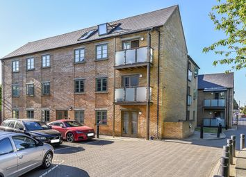 Thumbnail 2 bed flat for sale in Nightingale Road, Hitchin