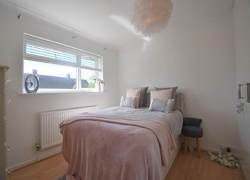 Thumbnail Room to rent in Doveton Way, Newbury, Berkshire