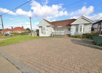 3 bed bungalow for sale in York Avenue, Corringham, Essex SS17