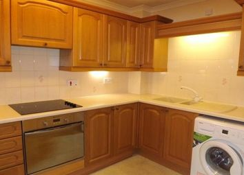 Thumbnail 2 bed flat to rent in East Street, Havant