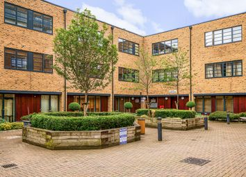Thumbnail 2 bed flat for sale in Mildmay Avenue, London