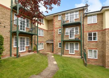 Thumbnail 1 bed flat to rent in Queen Alexandra Road, High Wycombe