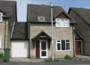 Thumbnail Semi-detached house to rent in Sarisbury Close, Tadley