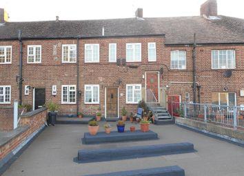 Thumbnail 2 bed flat to rent in Church Road, Ashford