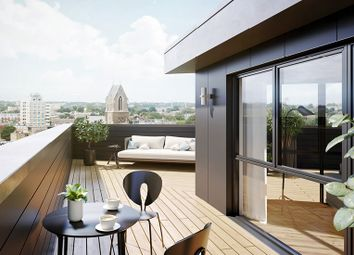Thumbnail 3 bedroom flat for sale in Crossway, Stoke Newington
