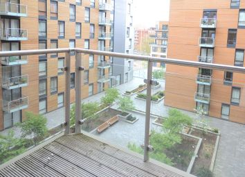 Thumbnail 2 bedroom flat to rent in Chatham Street, Reading
