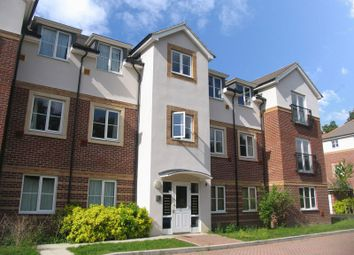 Thumbnail 2 bed flat to rent in Kingswood Close, Camberley