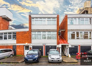 3 bed flat for sale in Cottage Street, London E14