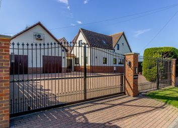 Thumbnail Detached house for sale in London Road, Crays Hill