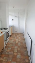 Thumbnail 4 bed flat to rent in Whitechapel, London