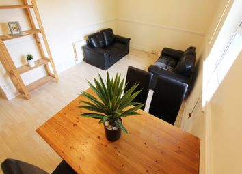 Wilmslow Road, Fallowfield, Manchester M20. 2 bed flat