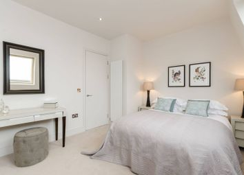 Thumbnail 3 bed flat for sale in New Kings Road, Parsons Green