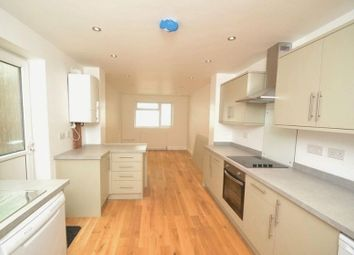 Thumbnail 5 bed flat to rent in Bowes Road, London