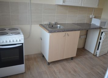 Thumbnail 1 bedroom flat to rent in Spirng Close, Leeds, West Yorkshire