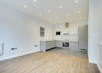 Thumbnail 1 bed flat to rent in Queens Square, Crawley