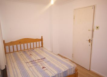 Thumbnail Room to rent in The Green, Stratford
