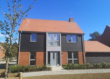 4 bed detached house for sale in Willesborough Road, Kennington, Ashford TN24