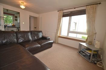 Thumbnail 1 bed flat to rent in Bughtlin Place, Edinburgh