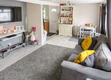 Thumbnail 3 bedroom mobile/park home for sale in Ladycroft Park, Blewbury, Didcot